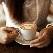 Tomar café en el trabajo causa efectos positivos